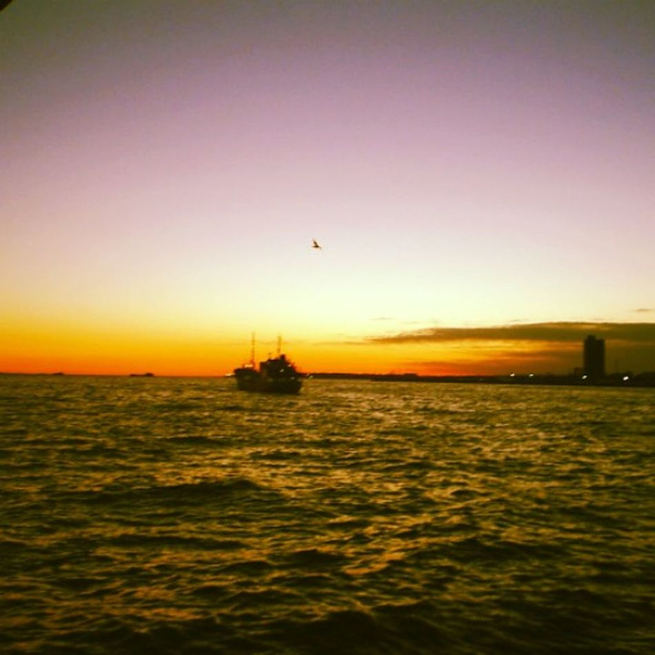 this is the last photo i was on my boat be fore i lost..... My jop, my boat ............. TheStorybehindThePicture