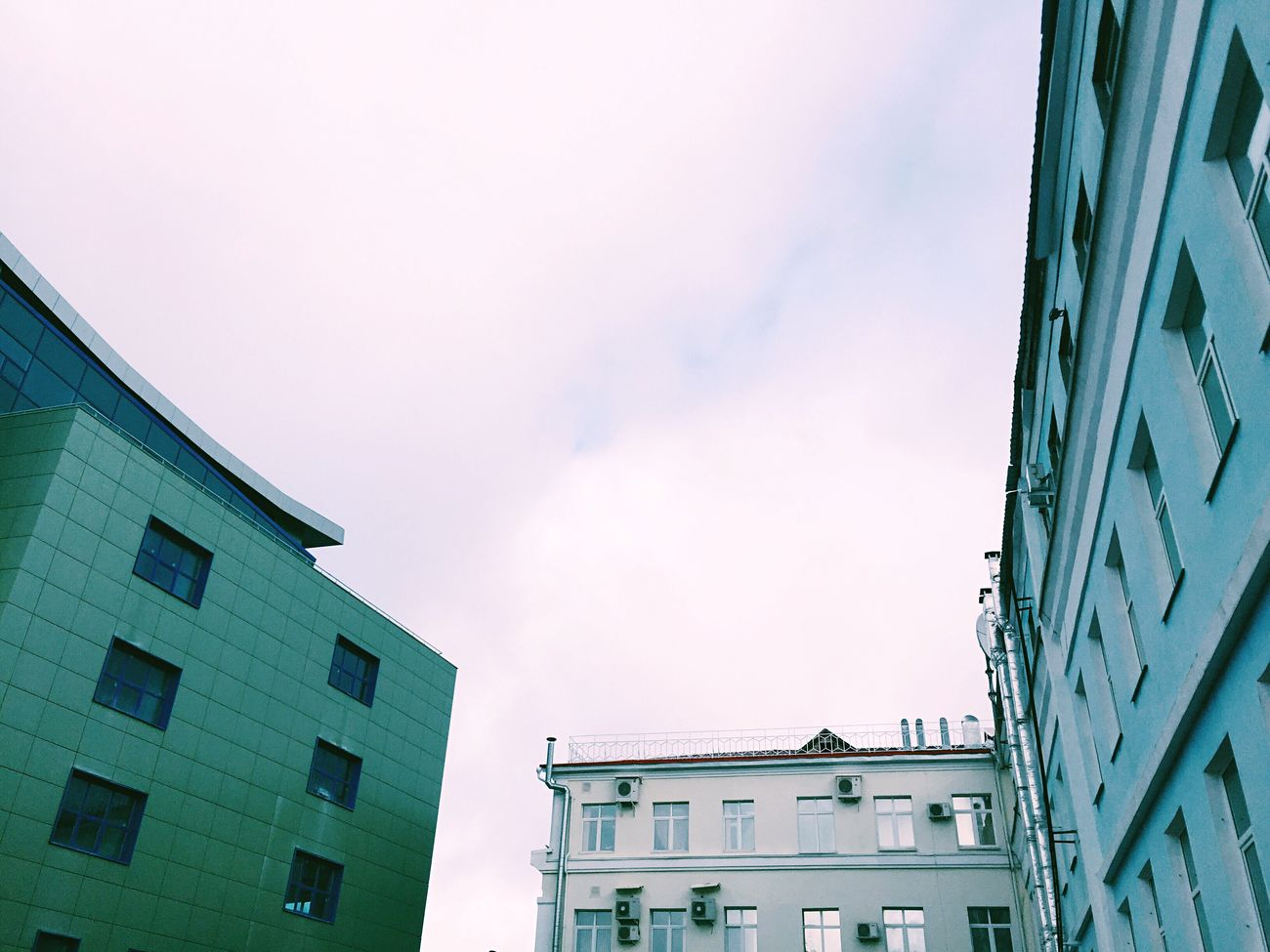 Building Exterior Architecture Built Structure Low Angle View Sky No People Outdoors City Day Followme холодно Cold
