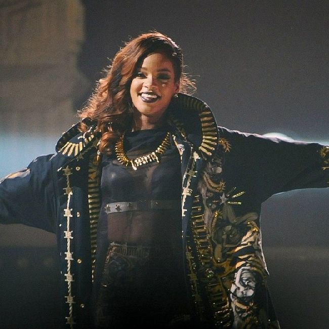 @badgalriri x Diamondsworldtour Rihannanavy Rihanna Riri navyslayNavyShitNavyFamilyNavyfollowfollowmeFollowForFollowfollowbackFollow4followf4flikelikeback10likeslikeforlikelike4likelfll4lbeautyfashionstyleRobyn