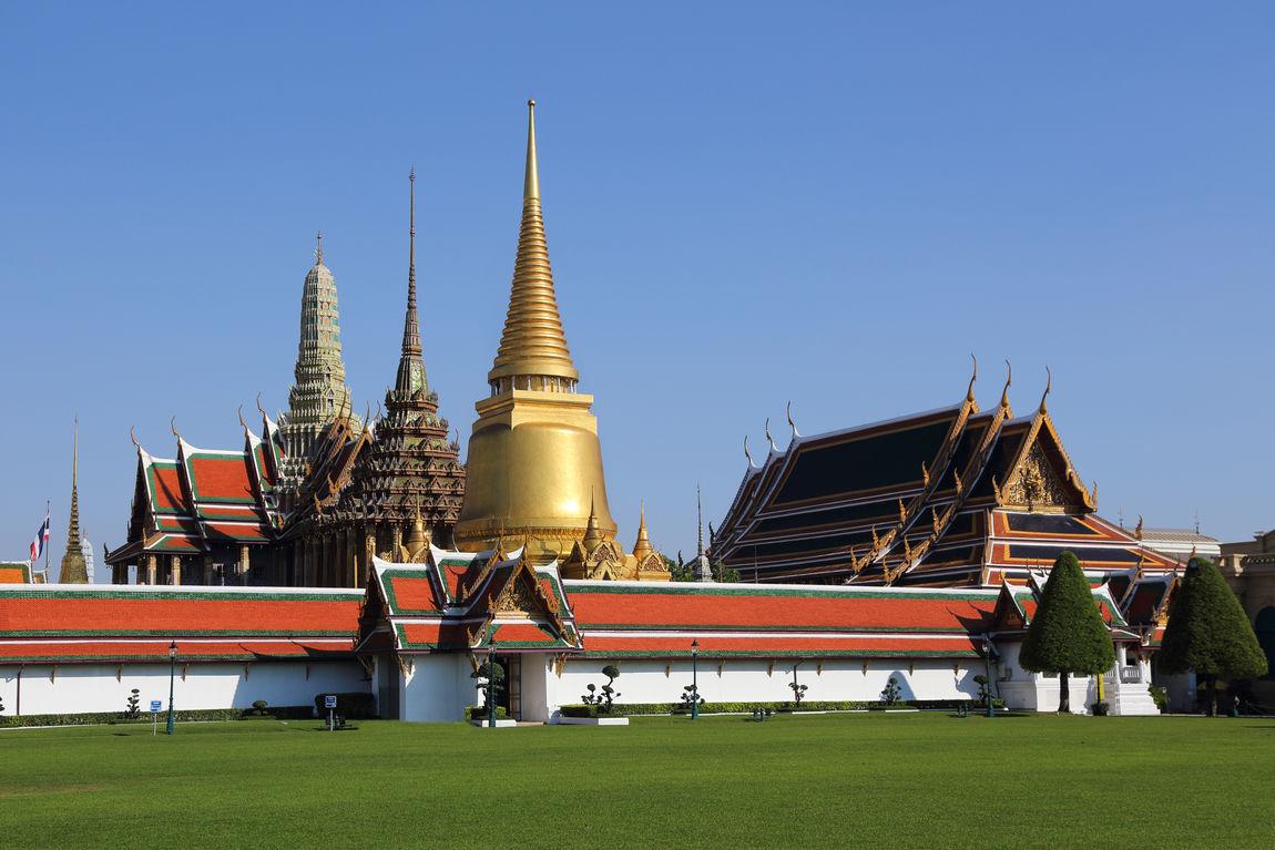 view of wat phra kaew of the emerald buddha in bangkok thailand Architecture Bangkok Emerald Buddha Temple Emerald Buddha Temple, Place Of Worship Religion Thai Travel Destinations