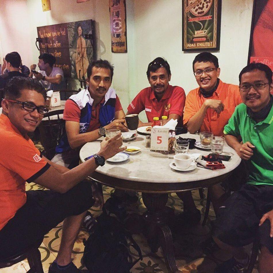Pitstop at Sabang Street coffee shop Sefo  Niteride 1436h