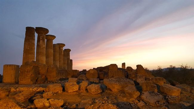 Valle Dei Templi Temples Italy Holidays Sicily, Italy Taking Photos