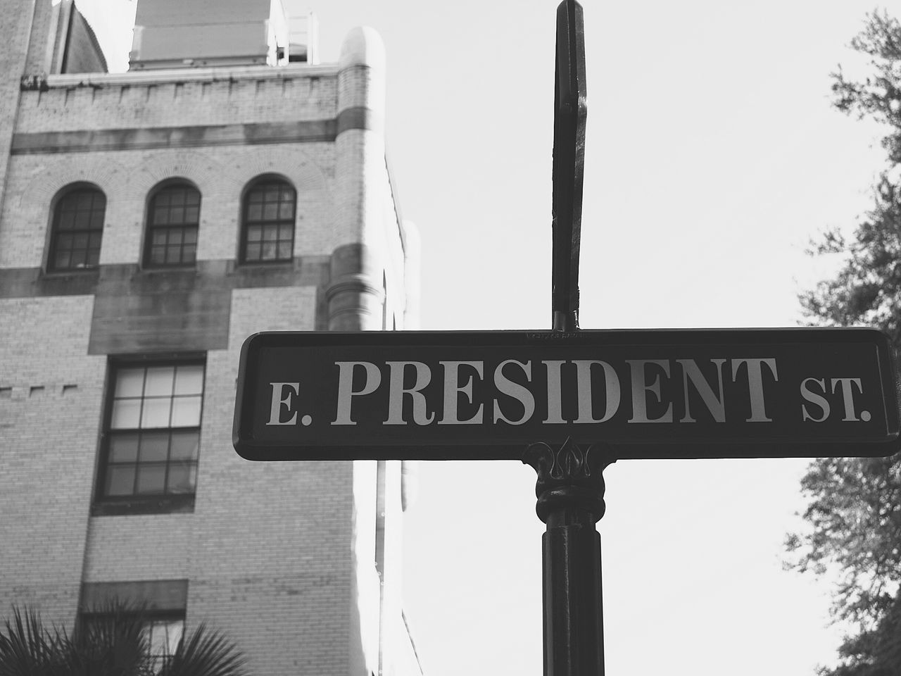 Check This Out Streetphotography President Historical Building Houses EyeEm Best Shots Amazing Eyemphotography Photo By Me Old Buildings Savannah Georgia Old Street Cosy Place Park Artitechture Eyemgallery