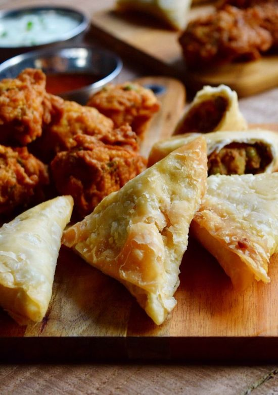 Food Freshness Food And Drink Ready-to-eat Still Life Indoors  No People Serving Size Close-up Healthy Eating Table Appetizer Bowl Plate Meal Samosas Serving Tray Stuffed Day Snack Time! Snacks! Bhajias Bhajiyas Bhaji Indianfood