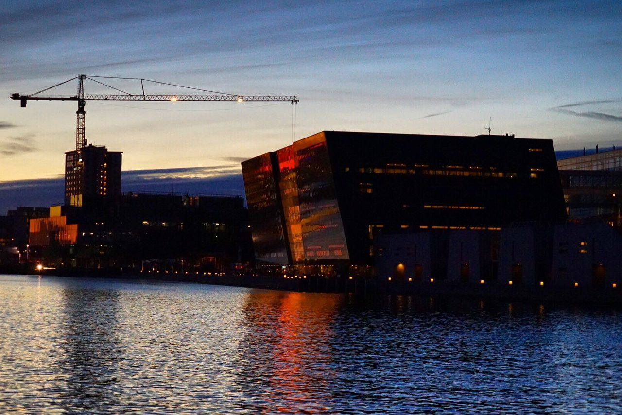 Architecture Building Exterior Crane - Construction Machinery Crane Waterfront Reflection Sunset Built Structure City Sky Travel Destinations Outdoors Densortediamant Den Sorte Diamant Architecture Architecture Photography Architectural Design Reflections Canal Library National Library Denmark Copenhagen Cityscape City Skyline