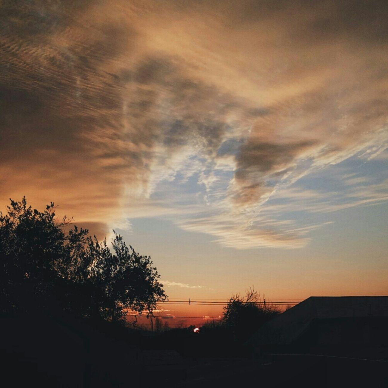 Atardeciendo... Atardecer Santiago De Chile Anocheciendo Puesta De Sol Goodnight Tardes De Invierno Natural Photography Naturaleza Invierno 2015