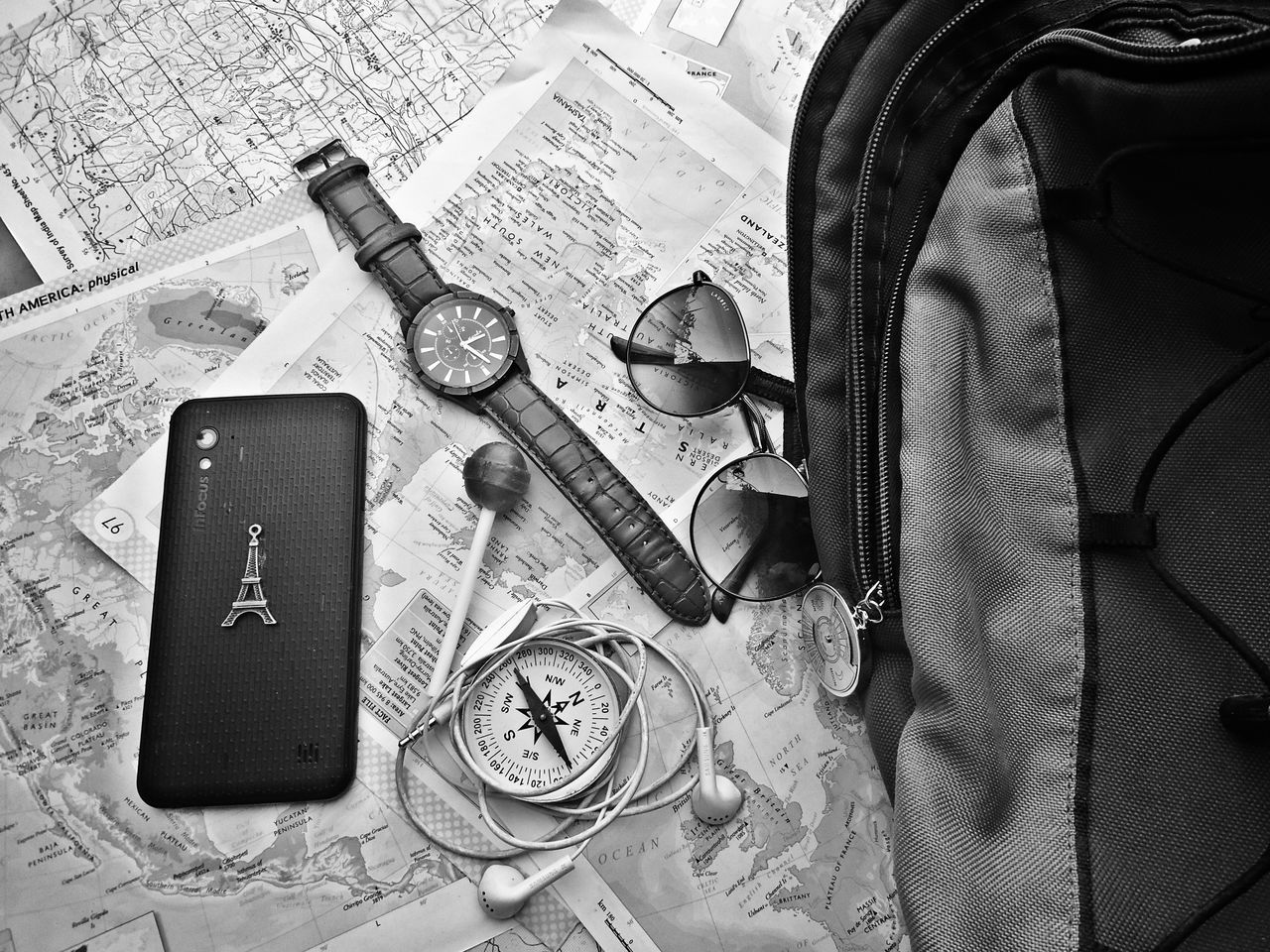 No People Day First Eyeem Photo Classic Monochrome Watch Headphones Camping Traveling Traveller Voyage Bagpack Lost Mobile Sunglasses Maps Paris France Efil_tower