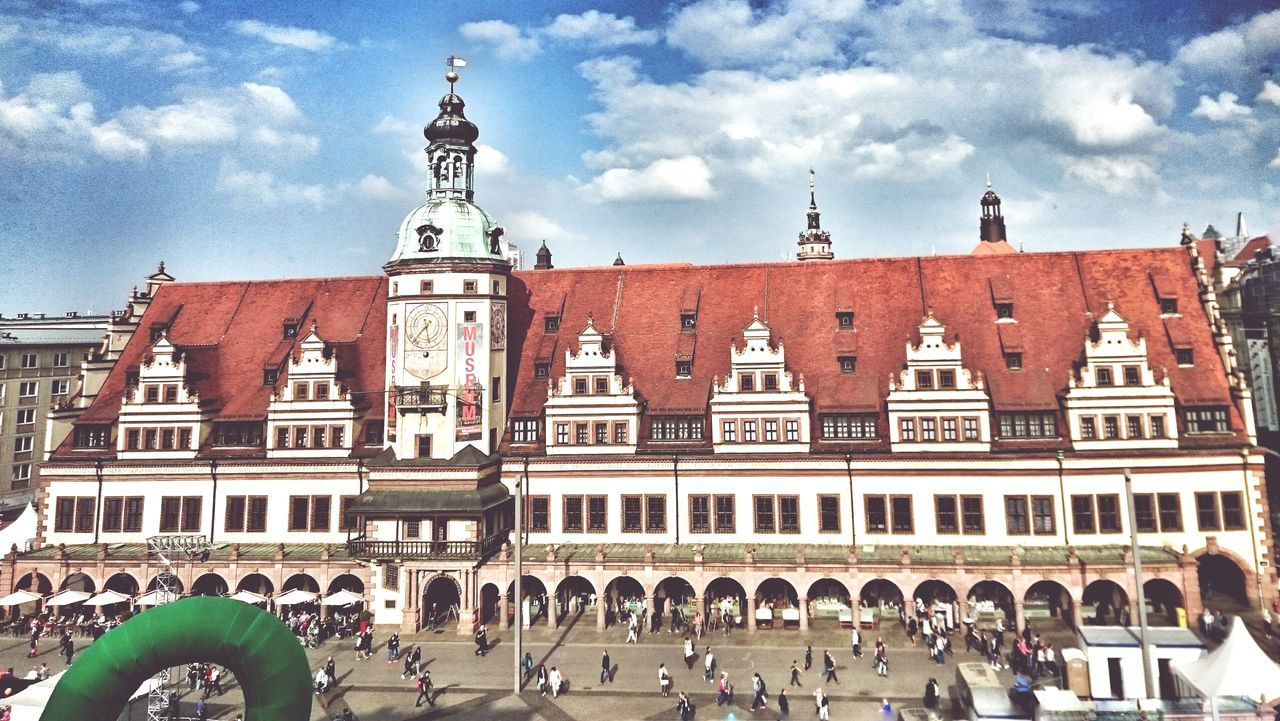 Leipzigcity Leipzig Rathaus Altes Rathaus Leipzig Leipzigtrip Leipzig Marktplatz city Architecture Building Exterior Travel Destinations Tower Clock Large Group Of People Built Structure Façade Clock Tower Sky Time City Outdoors People Day Astrology Sign Astronomy Minute Hand Astronomical Clock