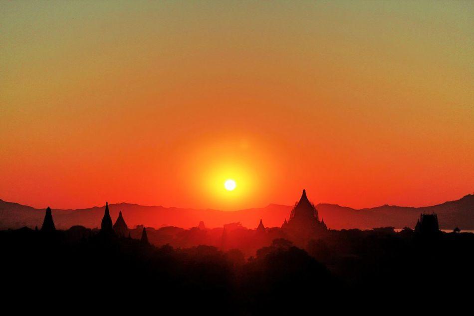 View Viewpoint Travel Architecture Enjoying The View Pagoda Bagan Trip Bagan, Myanmar Bagan Picture Myanmarphotos Shwe San Taw Pagoda Pagoda Temple ShweGuGyiPagoda Temple Architecture_collection EyeEmNewHere