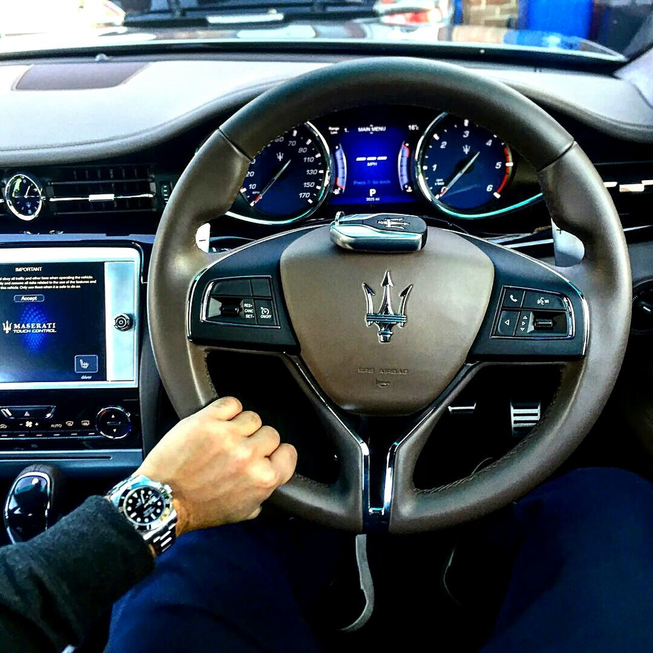 Xe DashboardThe Drive Technology Transportation Cockpit Control Panel Control Speedometer Air Vehicle Vehicle Interior Meter - Instrument Of Measurement Gauge Airplane Human Body Part Adult Adults Only People Human Hand Piloting Day car