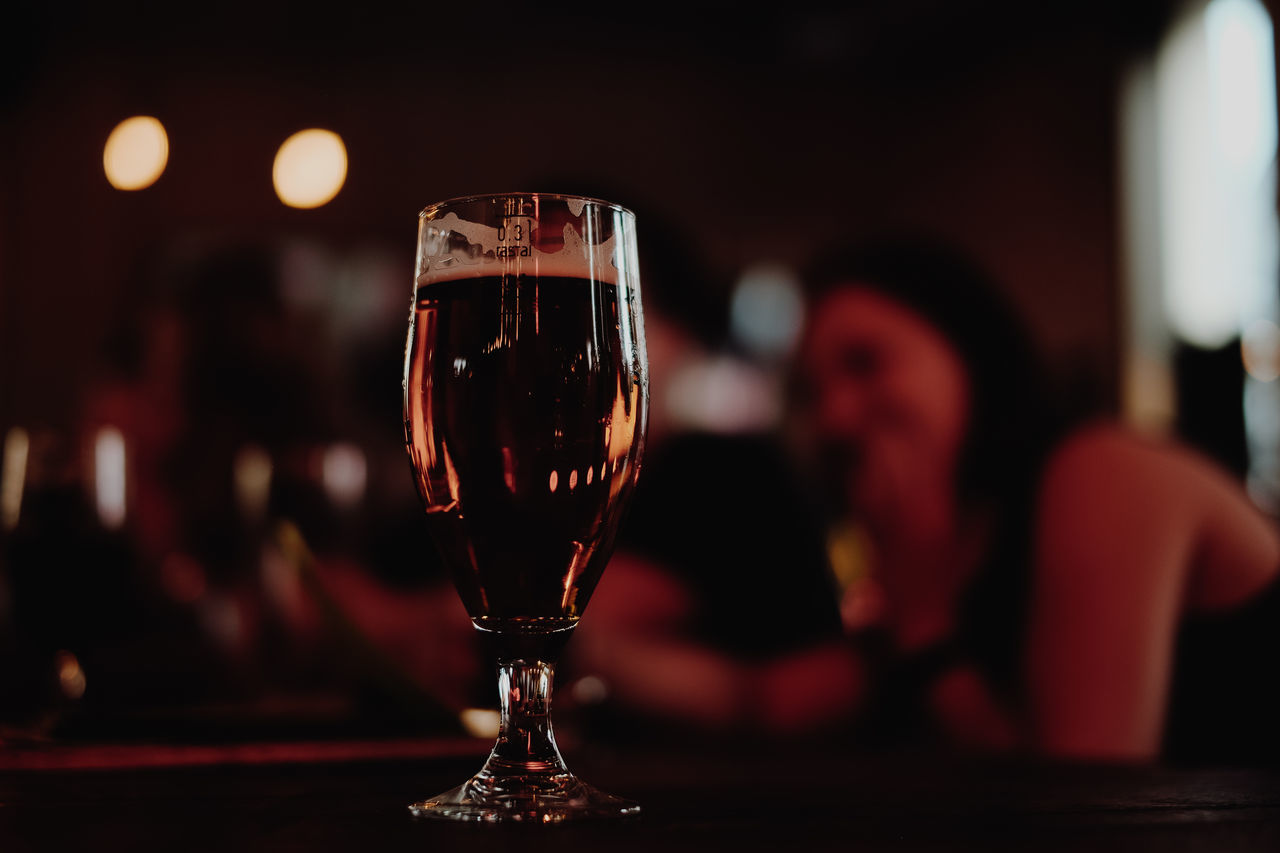 Alcohol Beer Close-up Drink Drinking Glass Focus On Foreground Freshness Illuminated Indoors  Night Nightlife Real People Table Wineglass