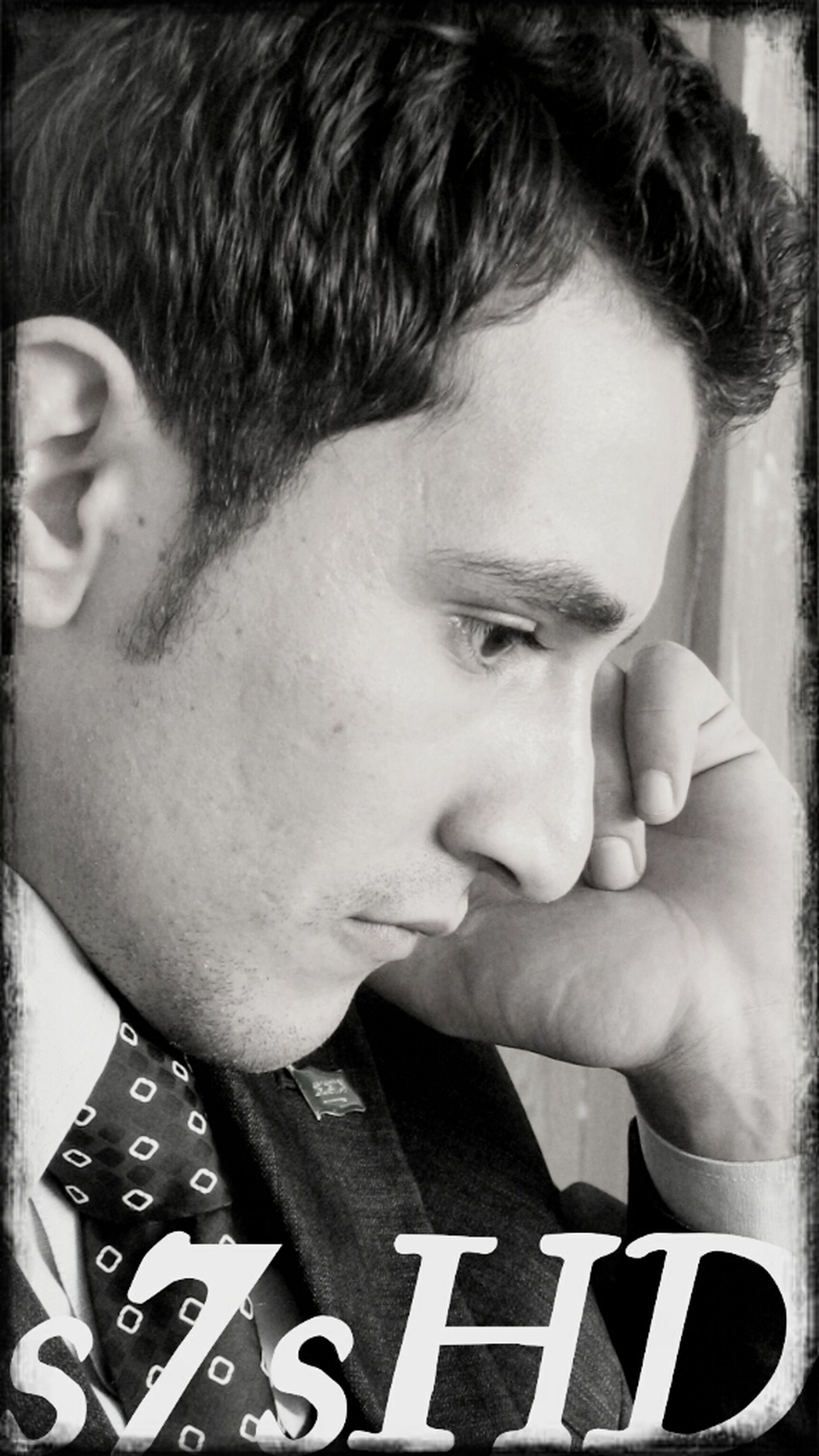 lifestyles, person, headshot, young adult, leisure activity, close-up, communication, front view, text, indoors, portrait, human face, looking at camera, young men, western script, focus on foreground