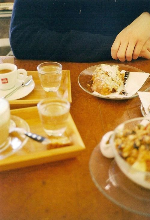 Breakfast The Street Photographer - 2016 EyeEm Awards Analog Contaxt2 Vienna Welove Food And Drink The Photojournalist - 2016 EyeEm Awards