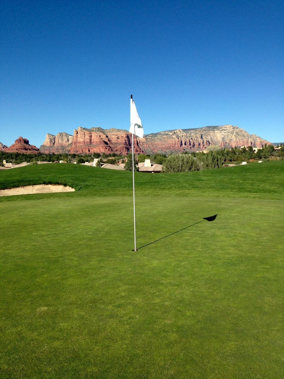 Golf amongst the red rock.