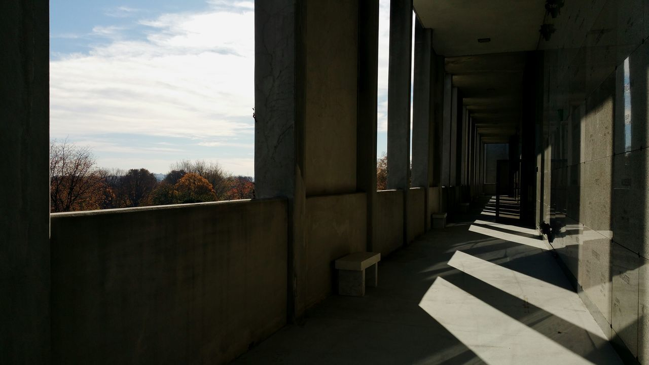 architecture, indoors, built structure, day, no people, architectural column, sky