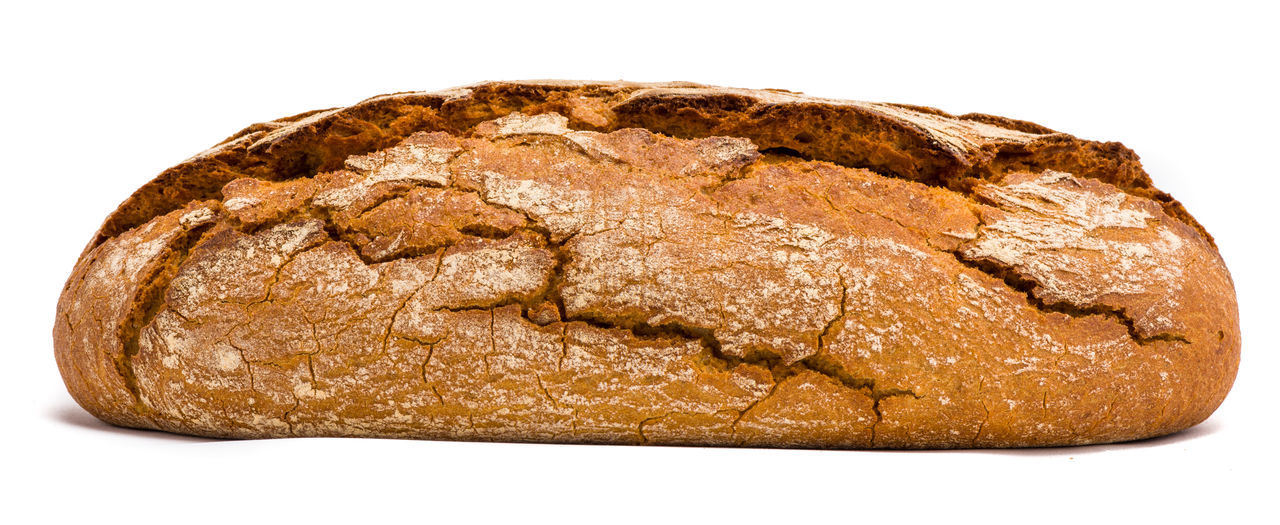 white background, bread, loaf of bread, cut out, food, baked, brown, food and drink, wholegrain, whole wheat, healthy eating, carbohydrate - food type, brown bread, rye - grain, bakery, bun, wheat, studio shot, no people, freshness, close-up