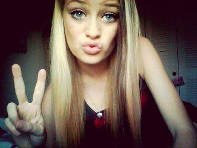 these r ducklips ya ik I like my eyes. byby