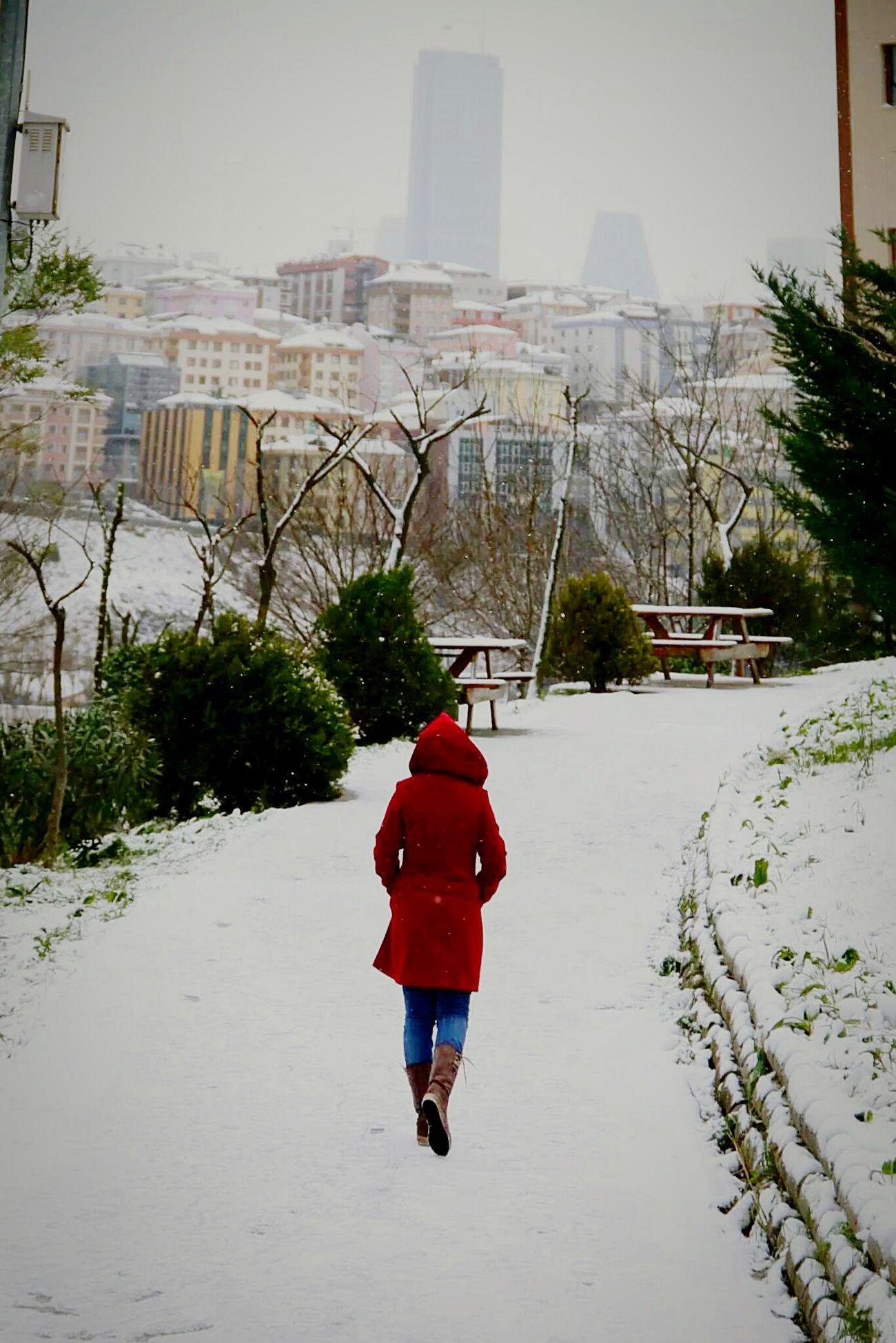 Yaşamdankareler ıstanbul Hayat Kar Sehir Kış Kağıthane Insan Yalnızlık Soğuk Hava