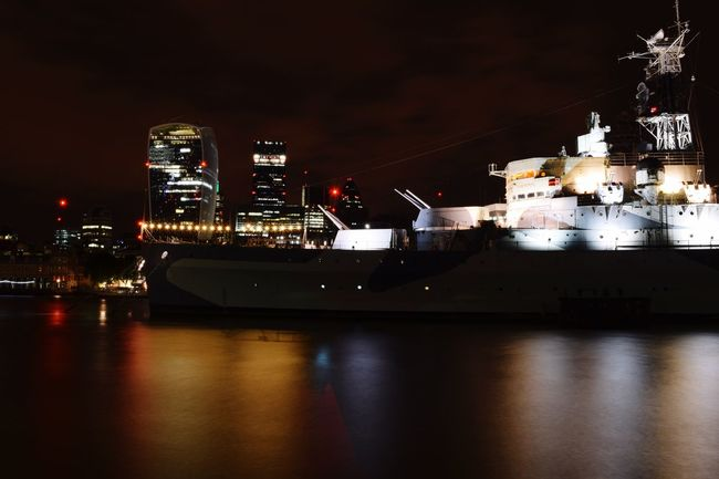 London by night Hello World Check This Out That's Me Taking Photos London Calling Citylights London Long Exposure Bestshot LONDON❤ Tourist Destination Hidden Gems  Bestoftheday Bestsellers Thames River Nightphotography Battleship