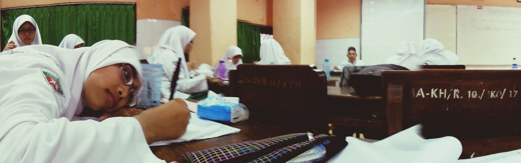 Situation of my classroom when we learned about history lesson.. My Classroom!! Hi!