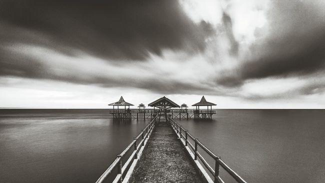 Monochrome Blackandwhite Photography Landscape_photography Kenjeran Beach