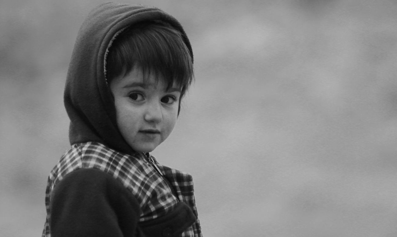 Hunzai_Kid Portrait One Person Mountain KARAKURAM Karakoramhighway Canon70d DopRuhani