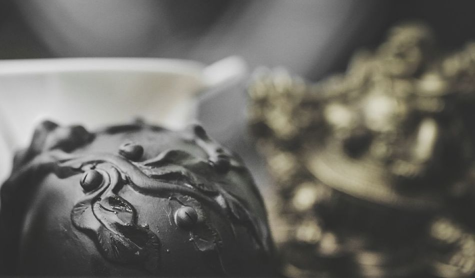 ~ 🌱✴~ Cultures Close-up Tea Moment Of Zen Getting Inspired No People Silhouettes Details Pattern Focus On Foreground Harmony Tea Time Chinese Culture Colorsplash Yellow Color Art And Craft Cup Object Photography Porcelain  Day Leaves🌿 Representation Blurred Background Relaxing Tea - Hot Drink