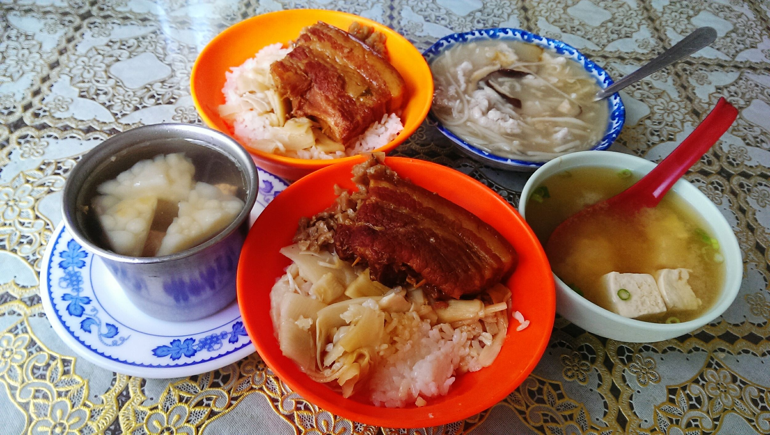 Eat 爌肉飯 香菇肉羹 苦瓜排骨湯 埔里鎮