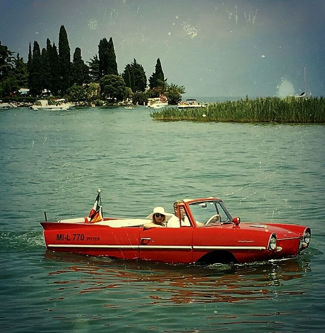 What amazing vintage idea☺☺ River View Imperfection Is Beauty Reflections In The Water Vintage Cars Car Show Summer Lake Feel The Journey Eyem Best Shots Boats