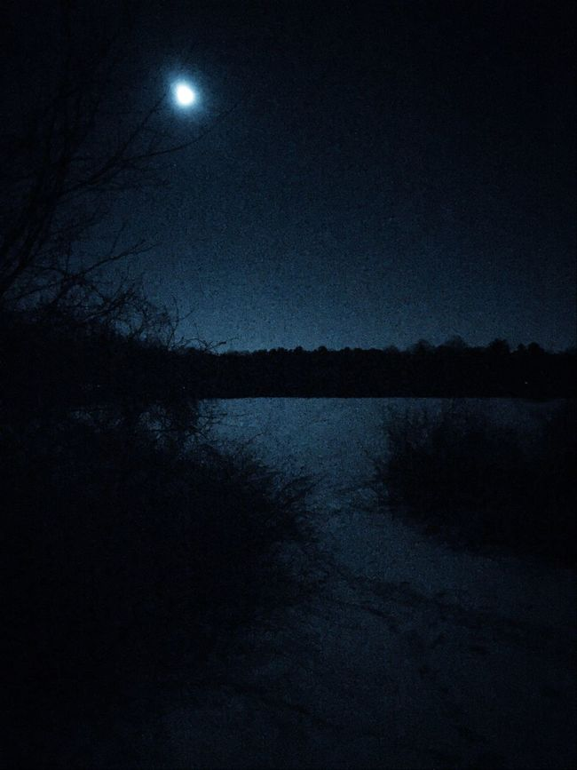 Super fun time night skiing XX with friends tonight.. Under the moon. ? Crosscountry Skiing Moonlight Tadaa Community Snowtrail
