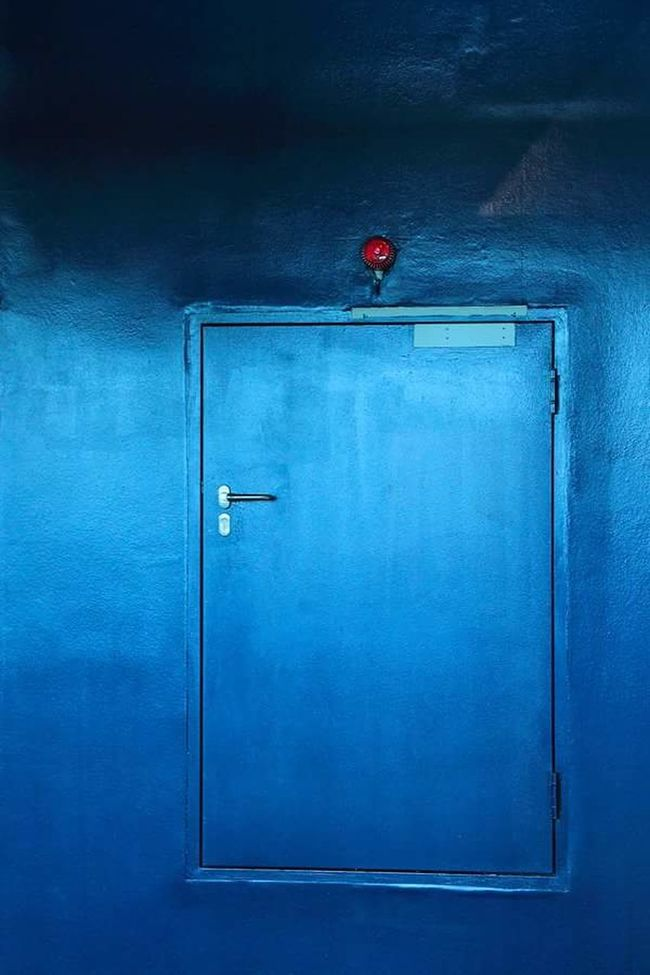 Camouflage Door Doors Blue Camouflage Red Light Wall Blue Wall Tür Eingang Entrance Industrial Industry Industriekultur Industrialbeauty Wand Tarnung Showcase: January Geheimtür Secret Entrance Blau Lampe Lamp Red Lamp... Camouflage Color Urban Camouflage