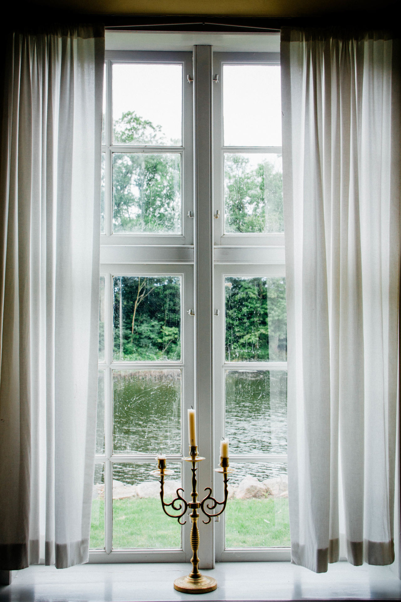 Candle Candleabra Pri Curtains Day Freshness Glass - Material Indoors  Symmetrical Symmetry Window Window Frame Color Palette
