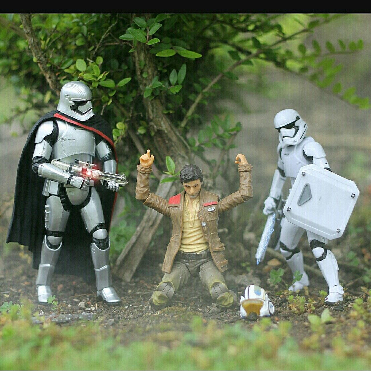 Captainphasma KyloRen Stormtrooper Poedameron Starwars Star Wars R2D2 Hansolo Toy Photography Toyphotography Millenium Falcon Starwarstoys Sandtrooper Rey Finn Starwarsblackseries HasbroToyPic Lukeskywalker Starwarstheforceawakens Jedi Knight Yoda Darthvader Bb8 Xwingfighter C3po