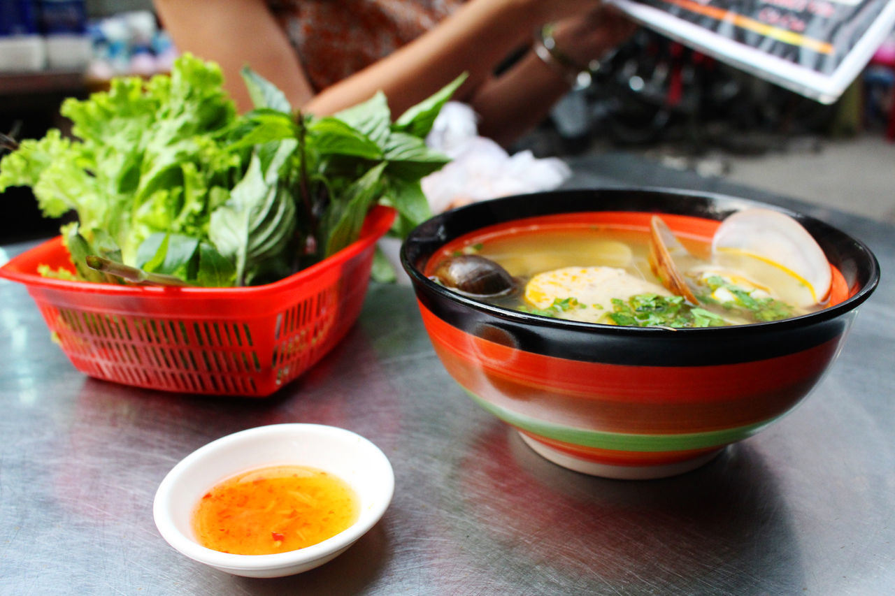 Bowl Day Food Food And Drink Freshness Healthy Eating Hochiminh Hochiminhcity Hochiminhfood Hu Tieu Oc Human Body Part Human Hand Hutiu Hutiudacbiet Hutiuoc Indoors  Lehongphongmarket Market Noodles One Person Ready-to-eat Real People Vegetable Vietnamese Food