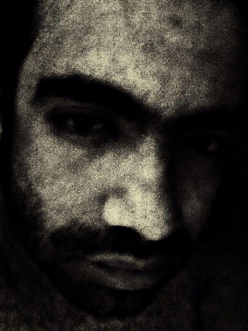a oscuras te encuentras a ti mismo