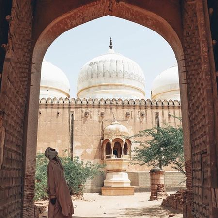 Travel Destinations Dome Cultures Travel Built Structure History Day Arts Culture And Entertainment Only Men Arabs Middle East Arabic Arabic Style Arab Arabian Dessert Nature One Person Travel Oldpeople Building Beautiful Historical Building Historical Place Historic