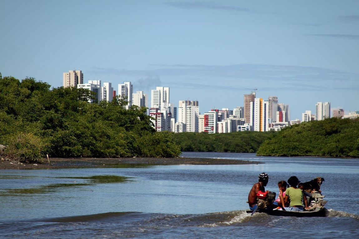 Family Contrast Ships🚢 Sky Day Recife/PE Tranquility