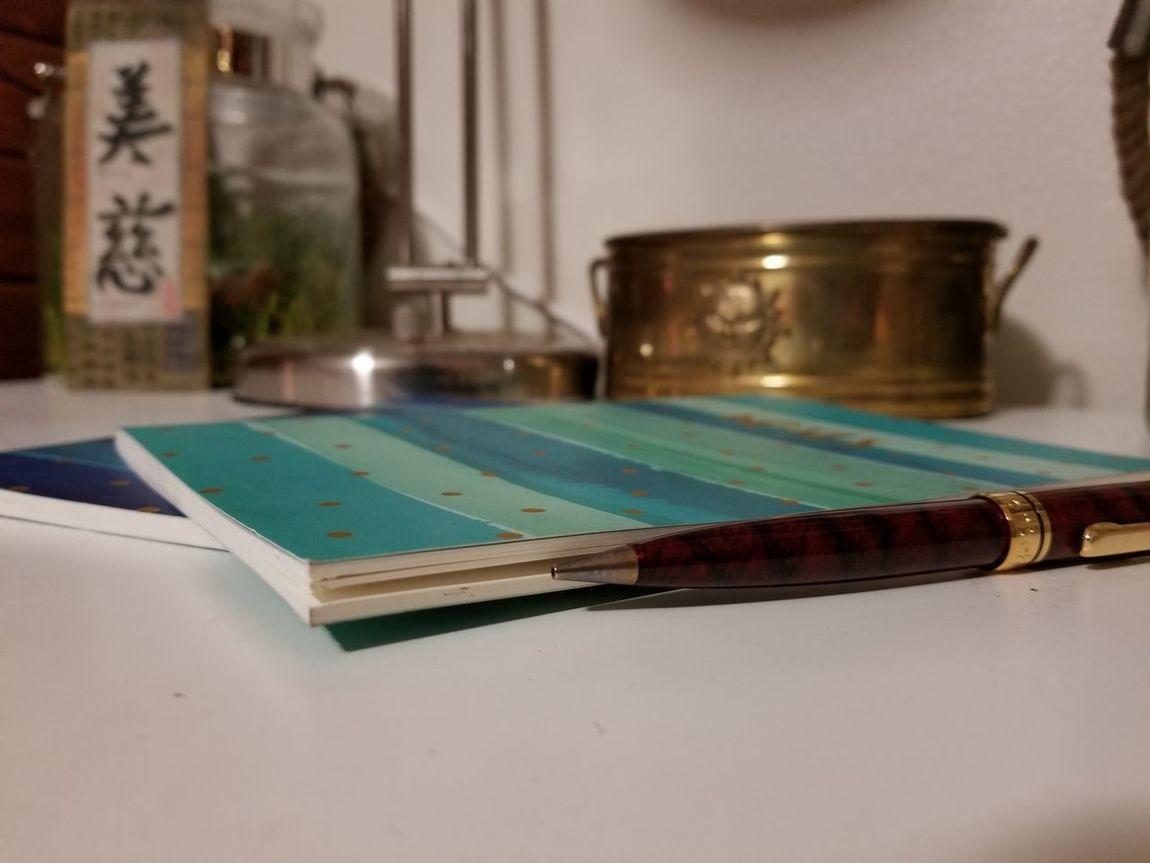 Samsung Galaxy 8+ Samsungphotography Notebooks  Pen Close-up