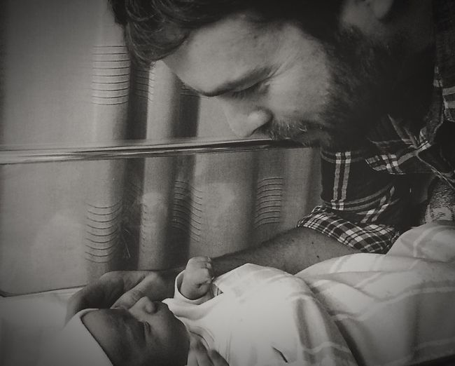 Modern Father Lifelonglove Newborn Father & Son New Meaningofmylife Feeling Blessed Withyou Inmylife Blackandwhite Dadwithhisnewborn