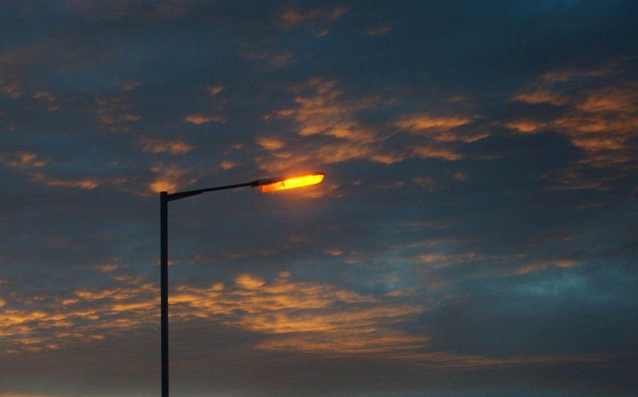 Streetlight sunset! Streetlight Sunset Whimsical Beautifulsky Escapefromreality Deepthoughts