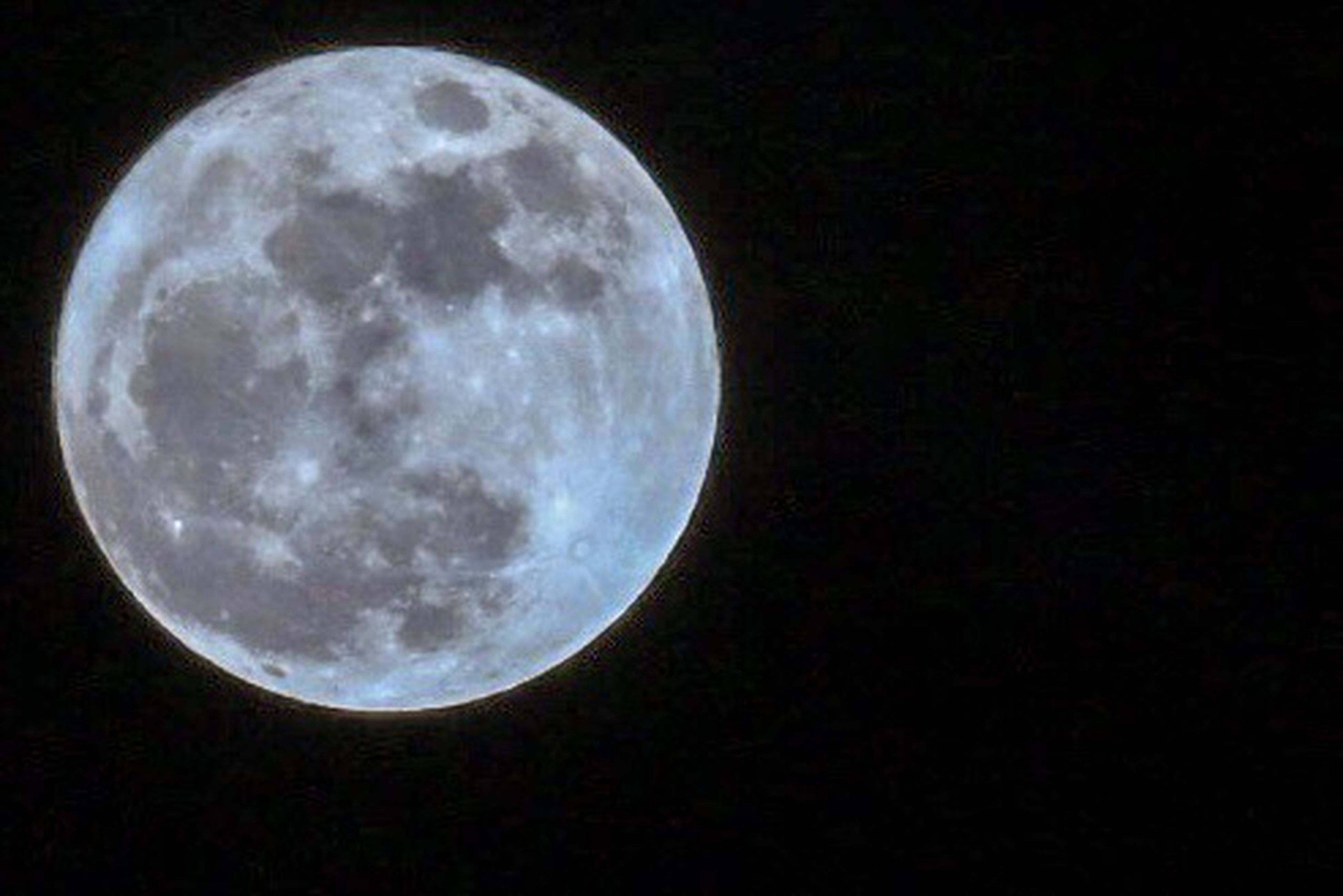 moon, full moon, night, no people, dark, nature, astronomy, tranquility, outdoors, moon surface, beauty in nature, close-up