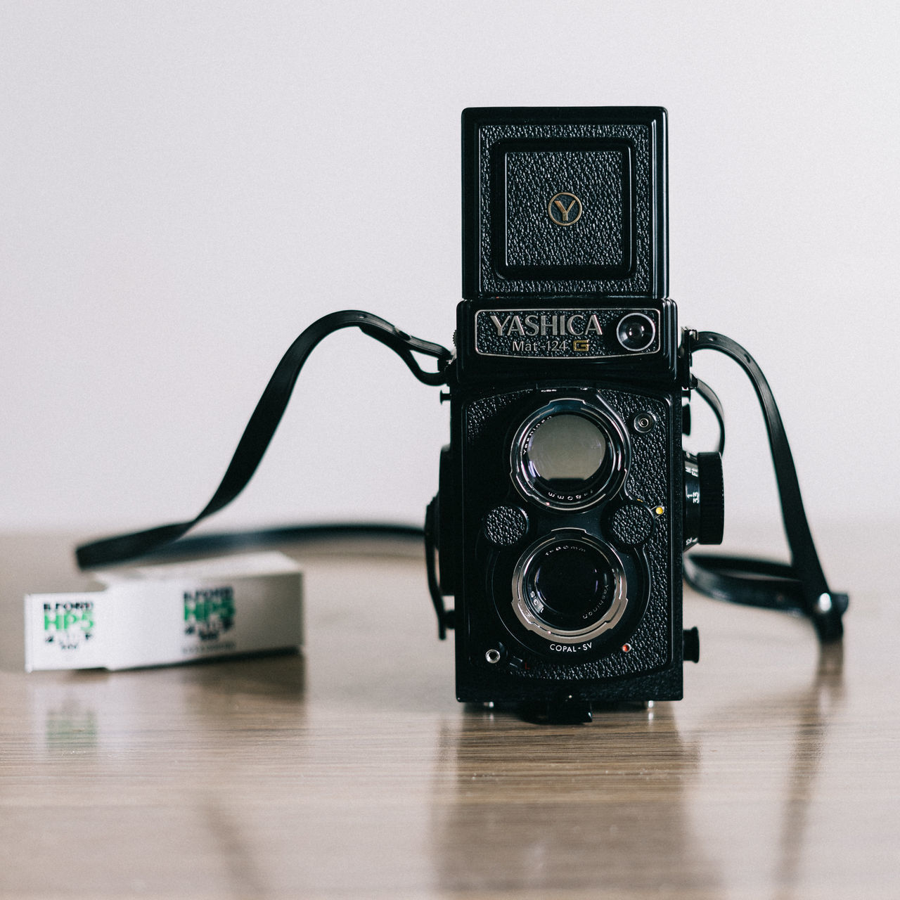 Checking out a new toy… Analogue Analogue Photography Film Film Photography Filmcamera Filmisnotdead Ilfordhp5 Lieblingsteil Medium Format Mediumformatphotography Old-fashioned Technology Yashica Yashica Mat 124 Yashicamat124g Tlr Twin Lens Reflex