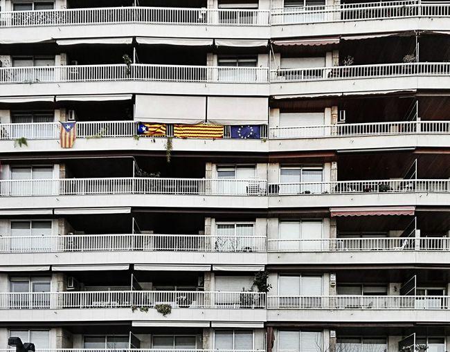 L'estrellada at a façade at the ugly Plaça Lesseps in Gracia Barcelona Catalunya Llibertat Independencia