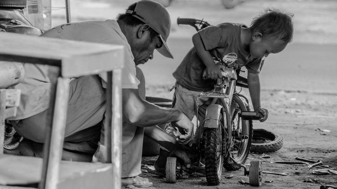 teamwork story of life. Enjoying Life Blackandwhite Lifestory Indonesian People's Indonesianlife