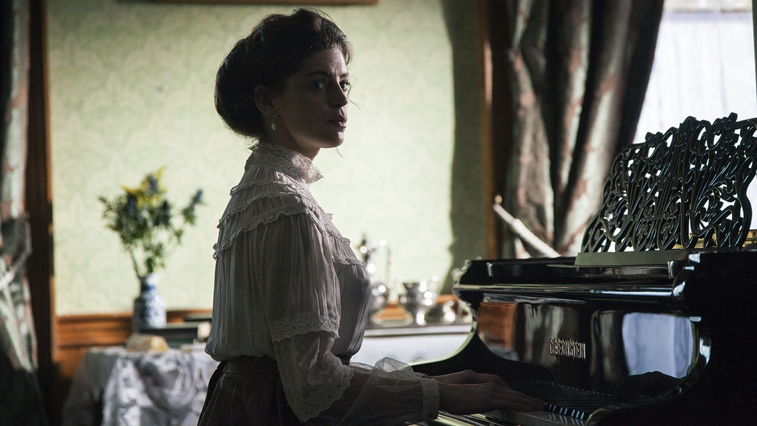 music, piano, arts culture and entertainment, one person, old-fashioned, pianist, one woman only, only women, adults only, indoors, performance, musical instrument, people, musician, adult, classical music, period costume, day