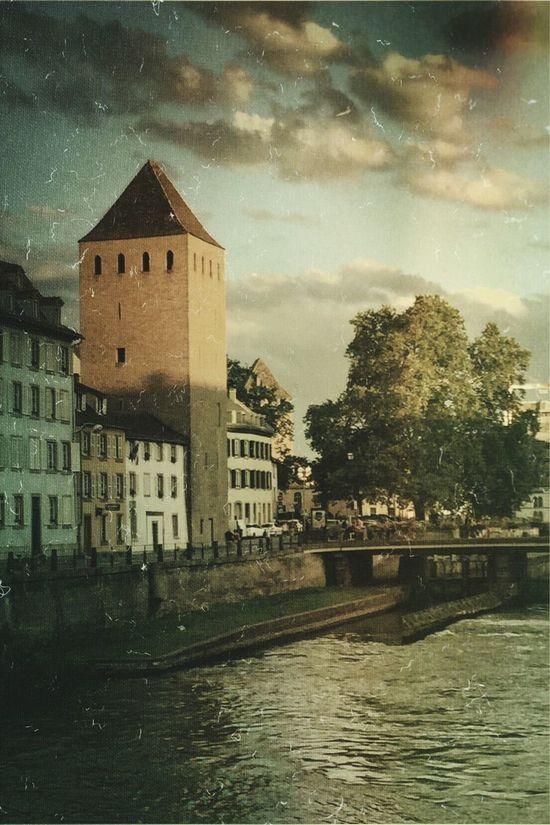 Hello World Taking Photos Cityscape Strasbourg Vintage Photo Photoediting Formulasapp Vintage Colorphoto