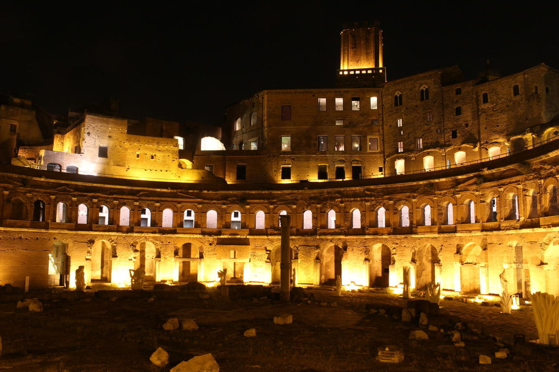 Foro Di Traiano Roma Italia Ancient Rome Roman Empire Night Archilovers Classic Architecture History Eos100d