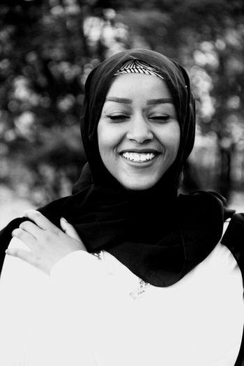 Friend Happy Muslim Mashallah Art Face Girl Fashion Glamour Elegant Girls Stylist Muslim Stylish Big Smile