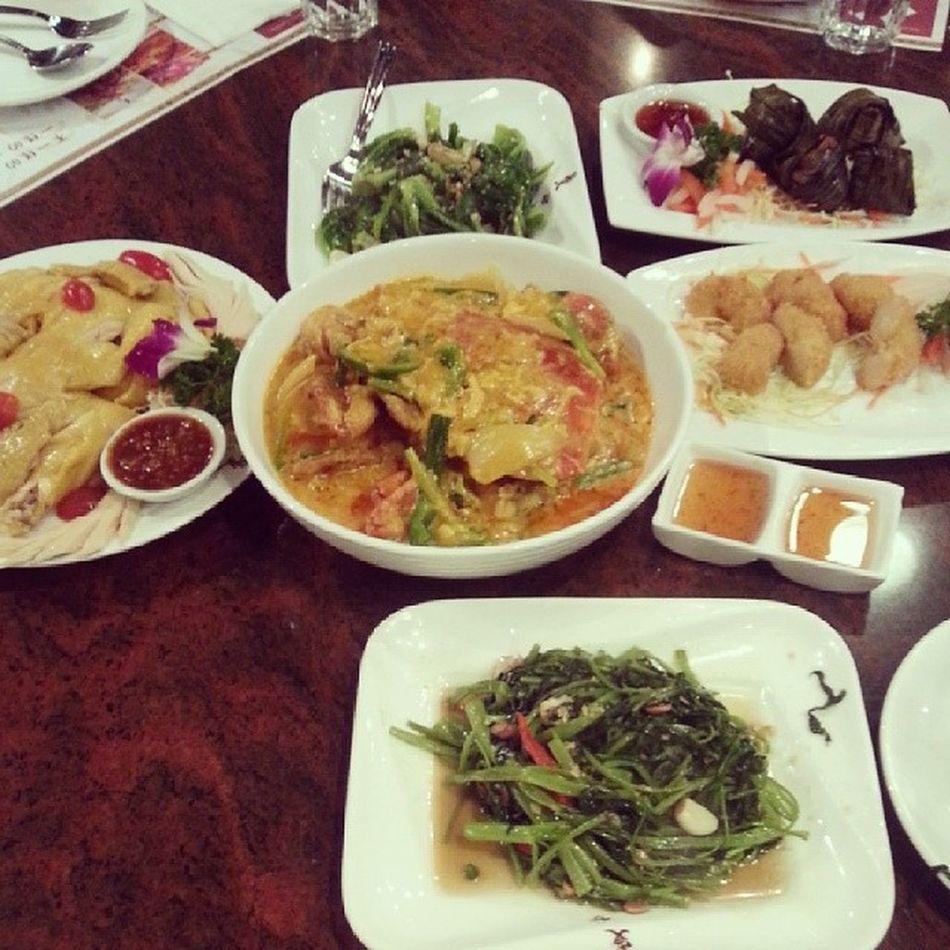 生日飯,泰國菜 :D