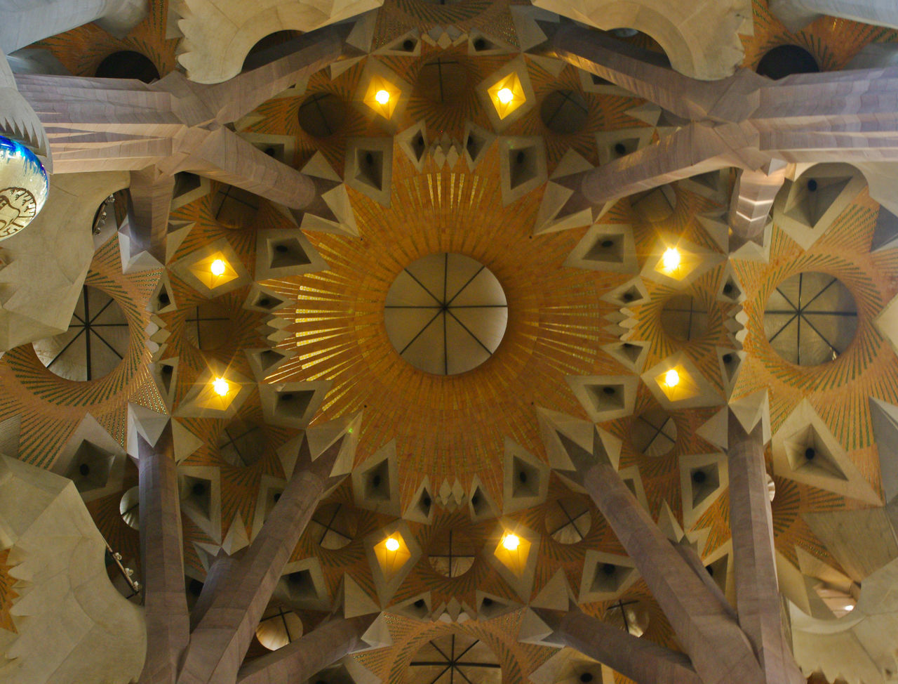 Abside Antonio Gaudi Barcelona Barcelona Turism Cathedral Day Gaudi Gaudì Architecture Work Indoors  Low Angle View Modernism No People Sagrada Familia Sagrada Familia Interior Sagrada Família Basilica